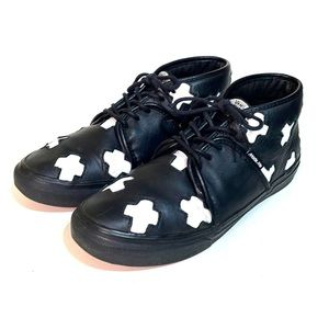 Vans Off the Wall Made Me Leather Ankle Sneaker 8
